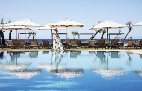 gecko-beach-formentera-swimming-pool-sea-views-model-IMG_7685.jpg