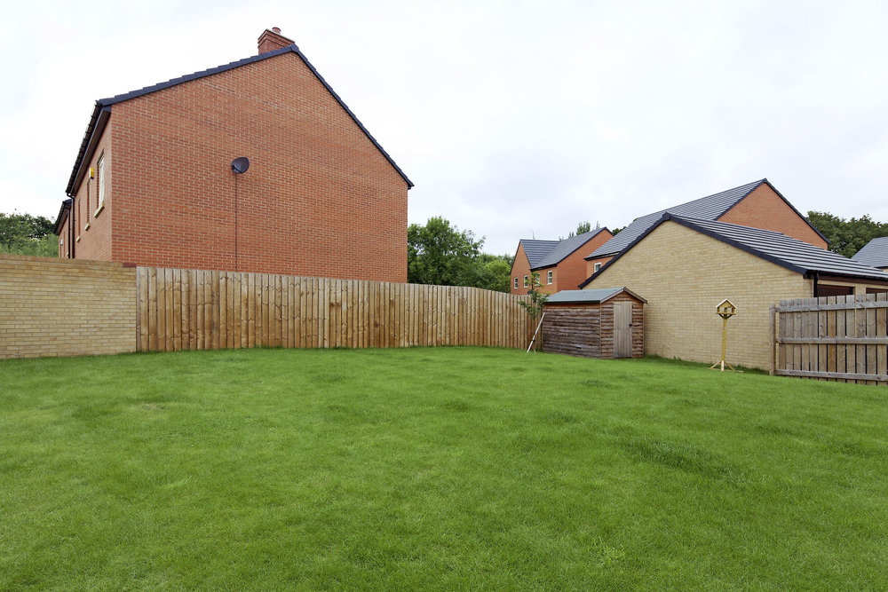 8-sf-garden-orion-way-doncaster.jpg