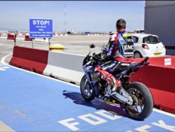 John+stops+at+Gibraltar+airfield's+runway+for+a+break.jpg