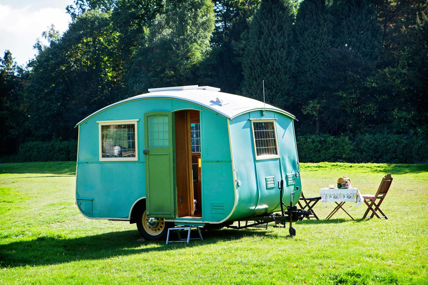 TINY 1930s CARAVAN IS A PERFECT HOLIDAY HOME — Landscape Magazine