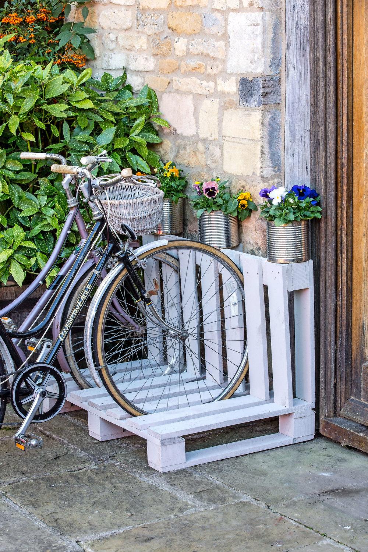 LandScape-magazine_R-Faulks_Craft_pallet-bike-rack-main.jpg