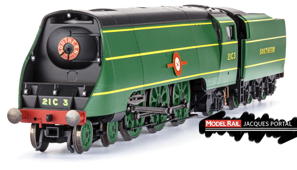 Hornby 'Merchant Navy' No. 21C3 Royal Mail. JACQUES PORTAL
