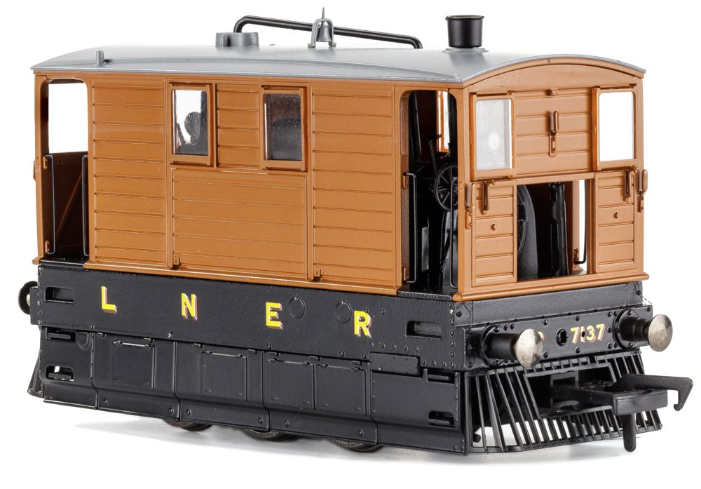 MR-209 no. 7137 lner unlined livery, full skirts