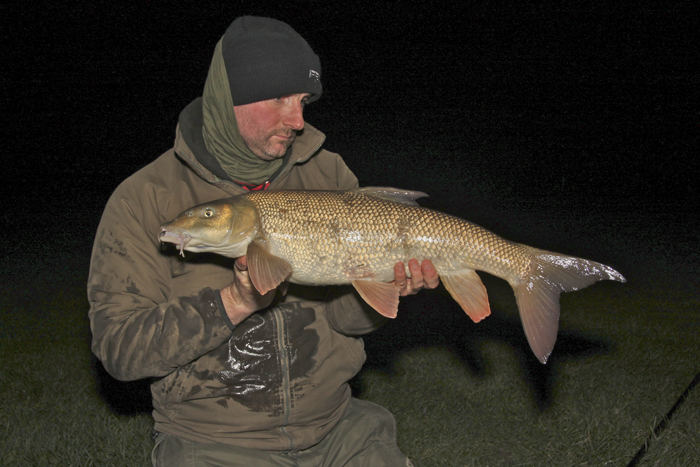 a%20double%20figure%20barbel%20caught%20on%20my%20simple%20maggot%20feeder%20rig.jpg