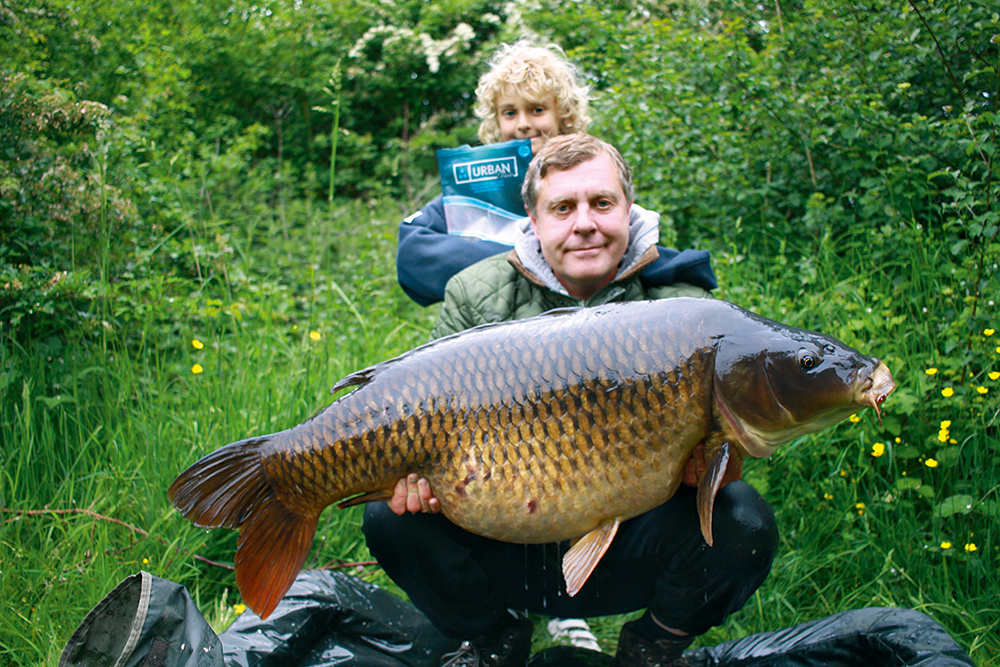 Son Daniel witnesses capture of dad's pb Long Common