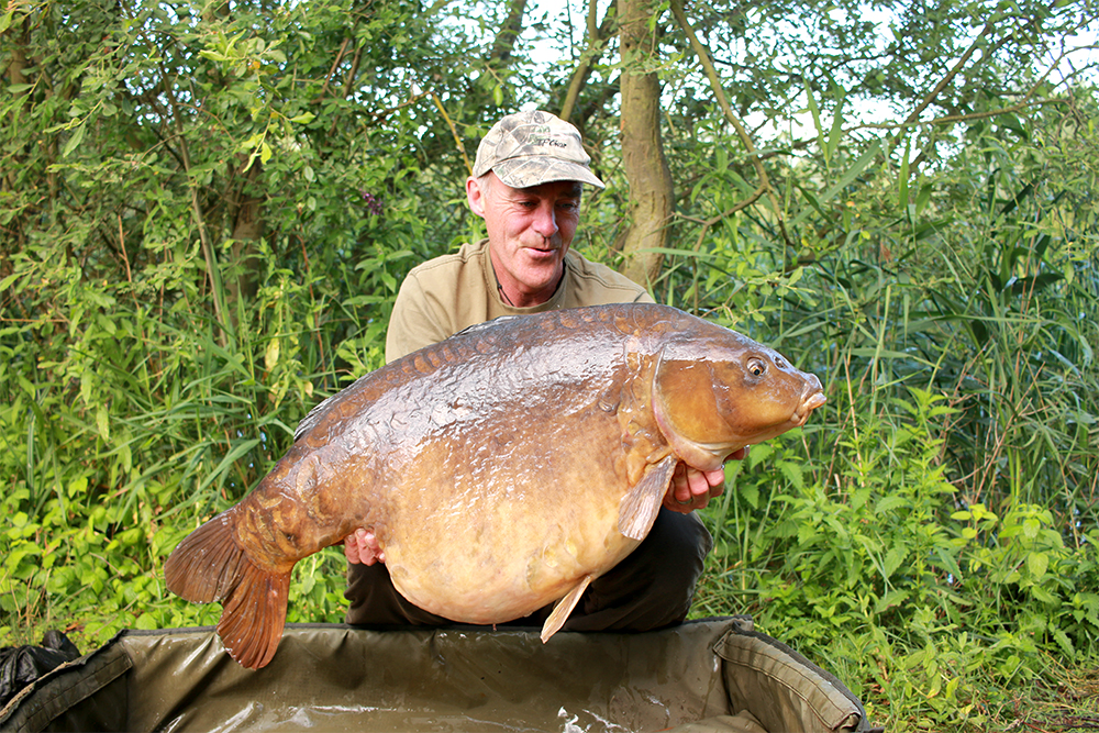 Dave Lane with 'obsession' Colin at 52lb 12oz.