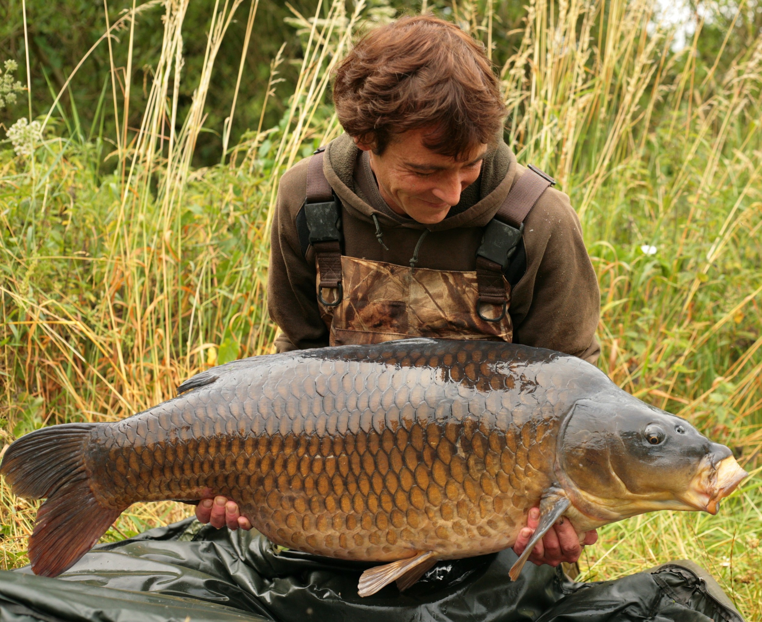 Terry Hearn banks the Burghfield Common at 47lb 14oz