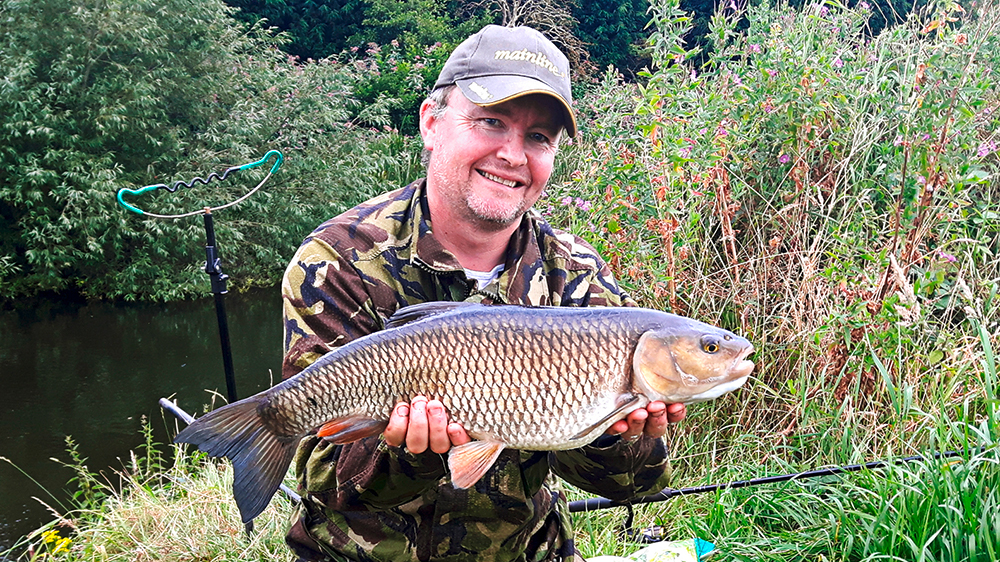 Richard Hart's Midlands river fish went 7lb.
