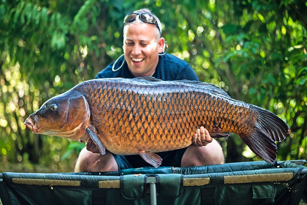 Adam worked hard to secure the fish he really wanted, the Wood Carving Common at 58lb 2oz.