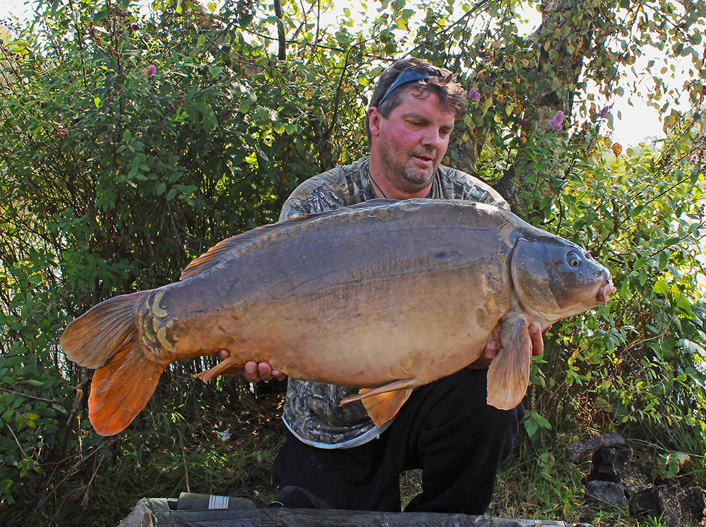 Nick Burrage and his 40lb 1oz Welsh mirror