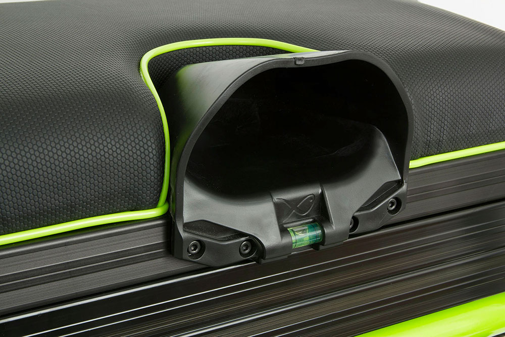 Pole seat