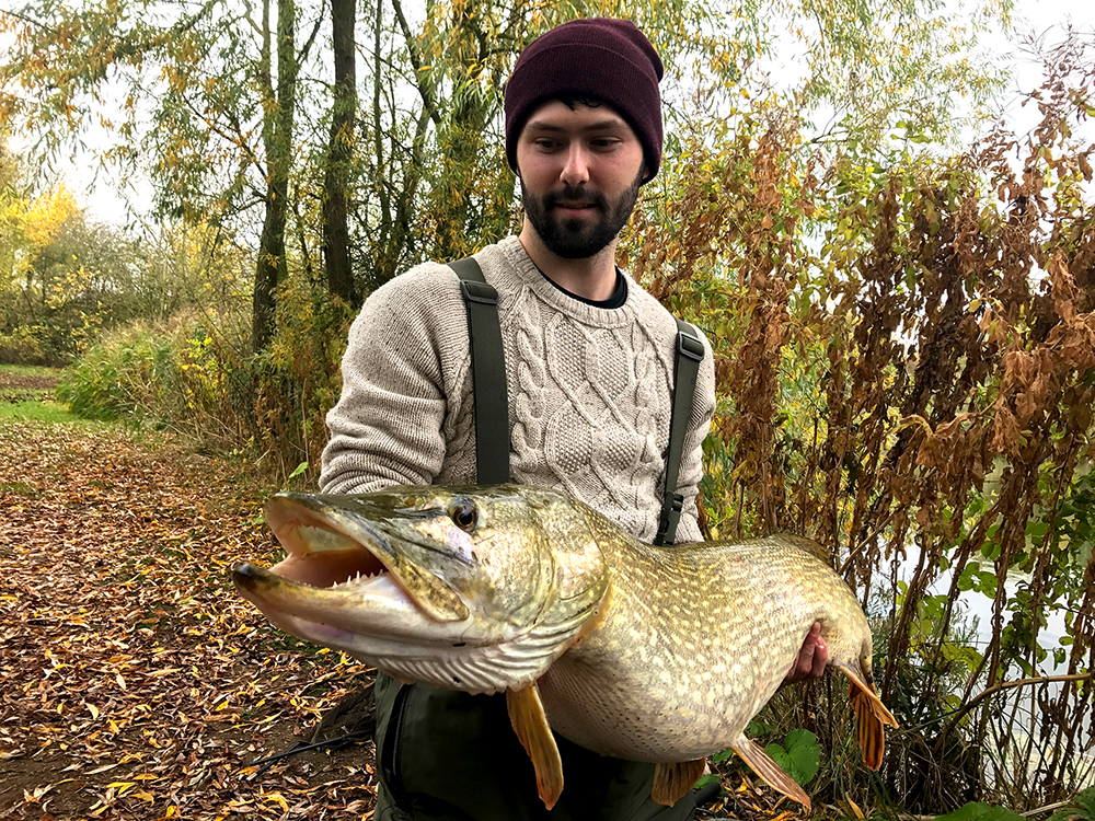 Carper Tom Bray and his shock pike of 30lb 1oz.