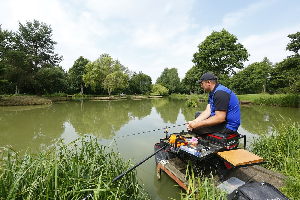 Steve Ringer carefully watching his tip at the wonderful Makins Fishery