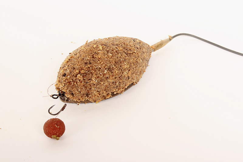3 - groundbait Method feeder for roach.jpg