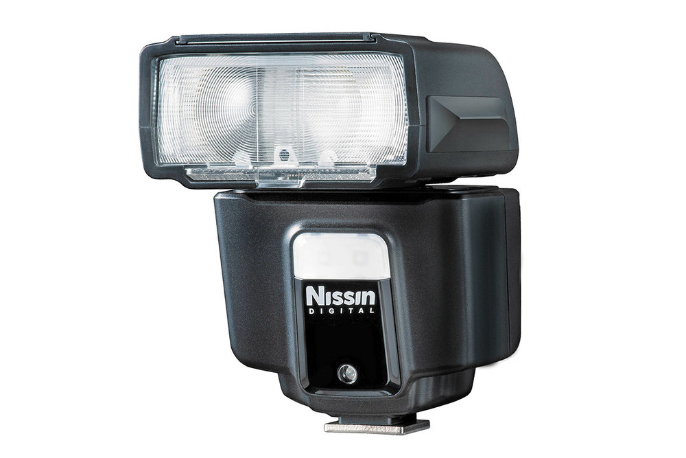 Nissin i40 flashgun