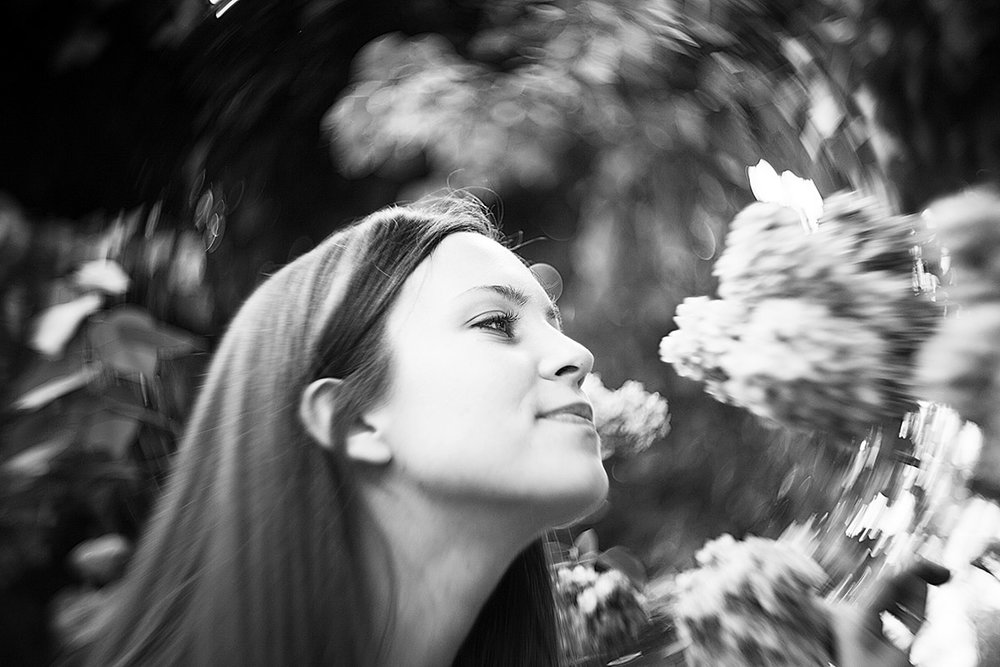 The Petzval creates a similar swirl to the Lensbaby Twist