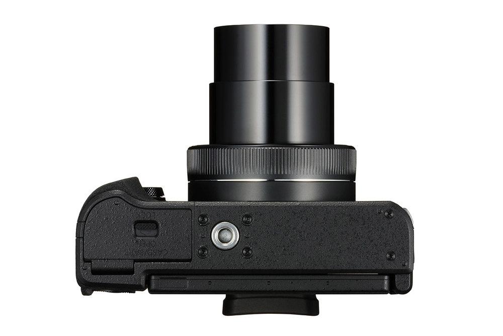 PowerShot_G1_X_Mark_III_Bottom_Lens_Out.jpg