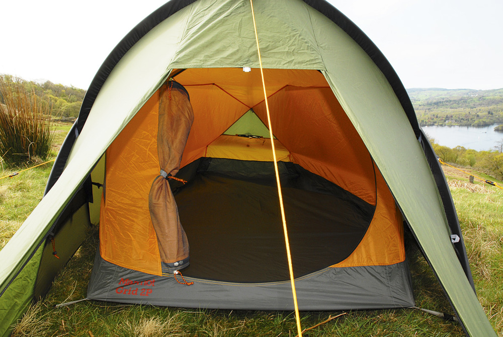 A superb new backpacking tent that is ideal for the UK market and once again proves that the Yanks know a thing or two about backpacking u2026 even in British ... & Marmot Grid 2 review u2014 Live for the Outdoors