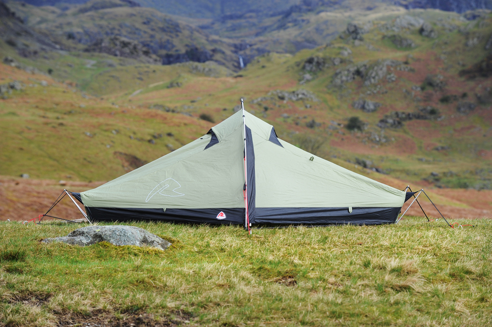 The Robens Starlight 1 pitches outer-first with one pole having to be clipped to the outside of the fly (the four corner poles are pre-fitted and just ... & Robens Starlight 1 (2013) u2014 Live for the Outdoors
