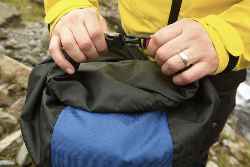Rab-Alpine-35-rucksack-2.jpg