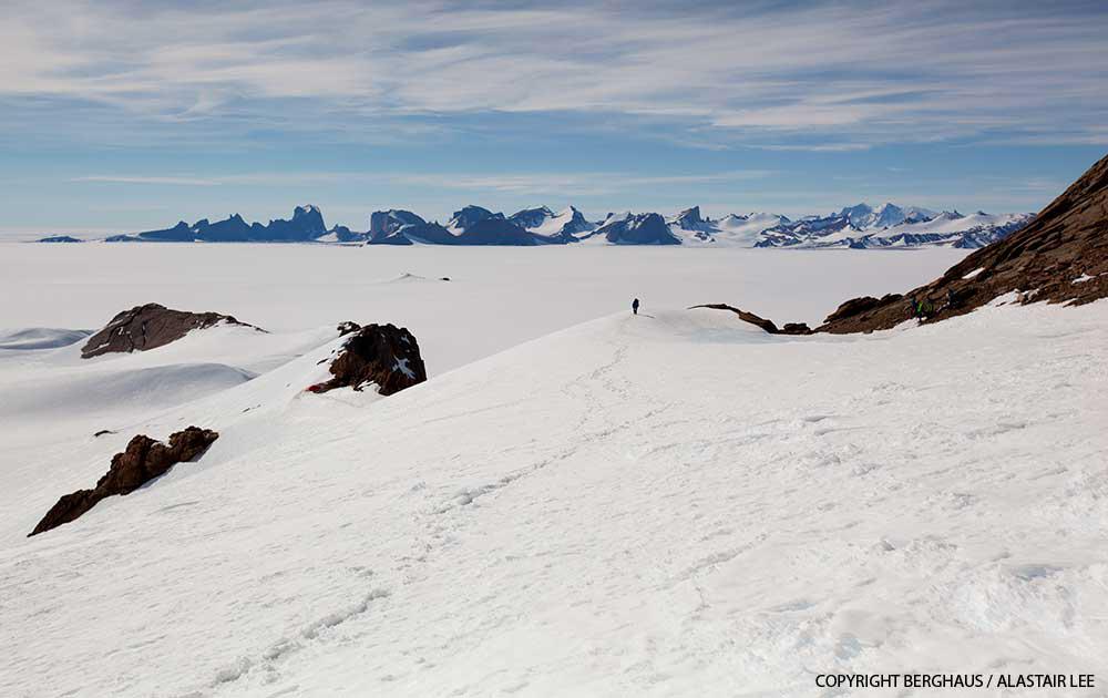 2_berghaus_antarctica_ulvetanna.jpg