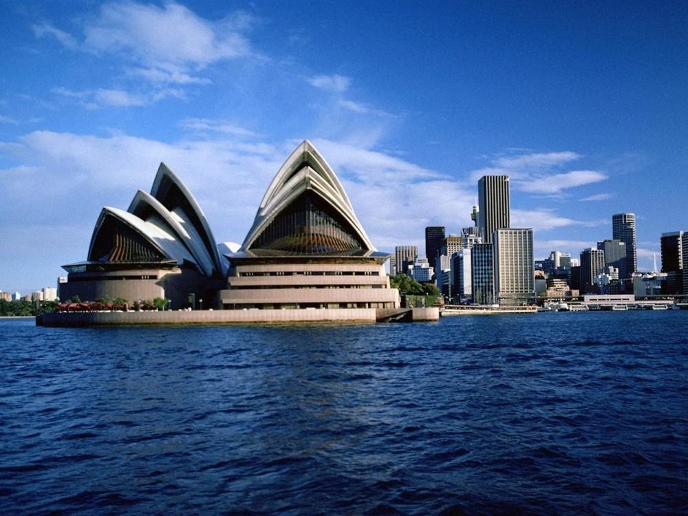 Australia,_Sydney_-_Opera_House.jpg