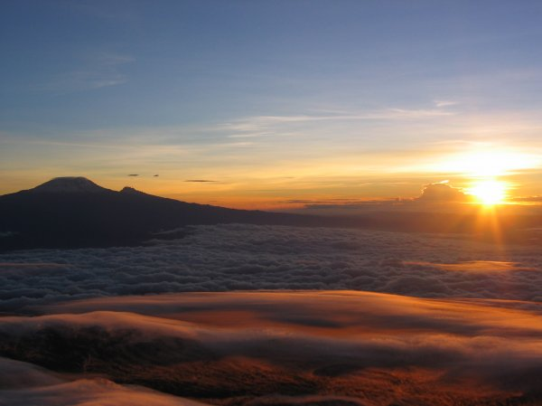 Mount%20Kilimanjaro%20seen%20from%20Mount%20Meru%20Peak.jpg