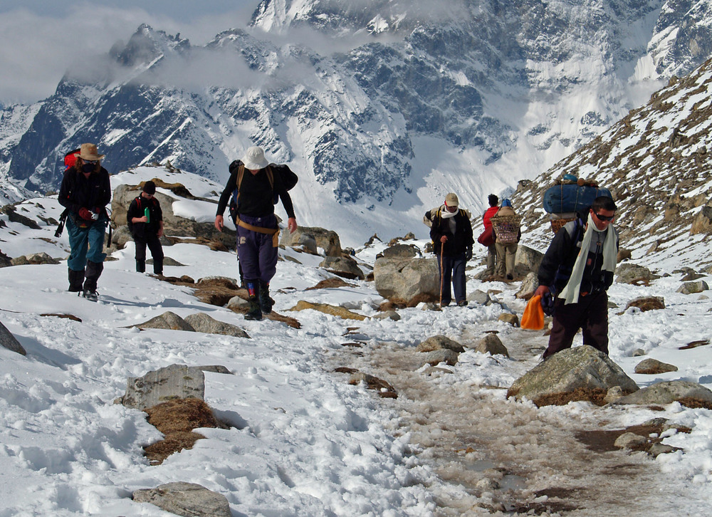 Trekking%20into%20Everest%20base%20camp.jpg