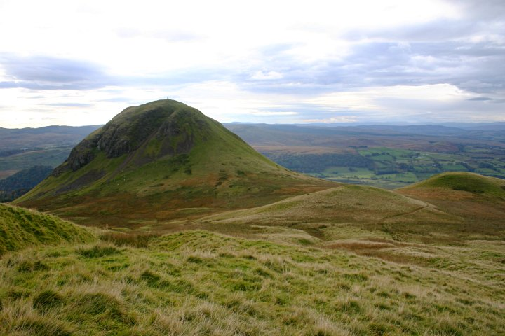 Dumgoyne%20Hill%20in%20the%20Campsies,%20by%20Lomond%20MRT.jpg
