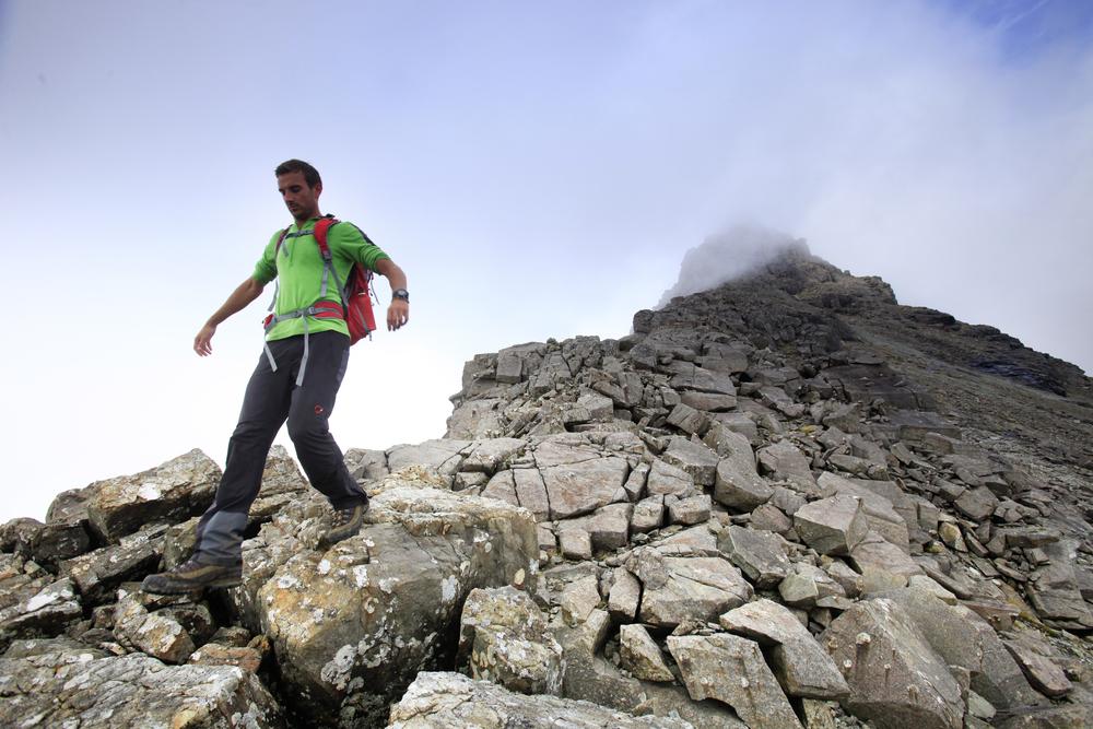 The summit arete of Sgurr Nan Gillean. Photo: Tom Bailey / Trail Magazine