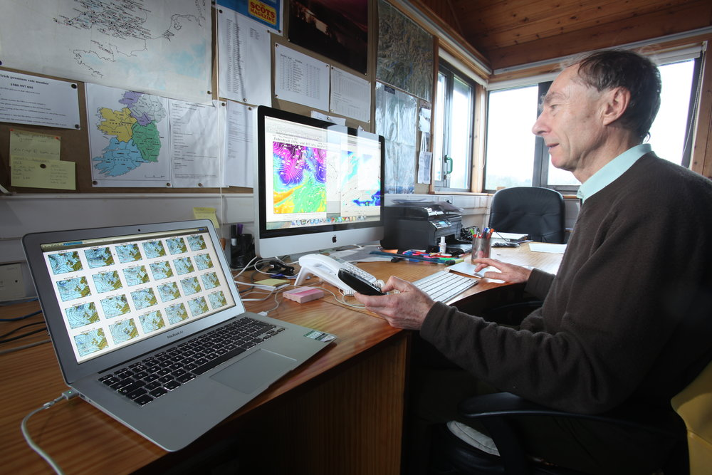 Geoff Monk at work at MWIS in Scotland. Photo: Tom Bailey / Trail Magazine