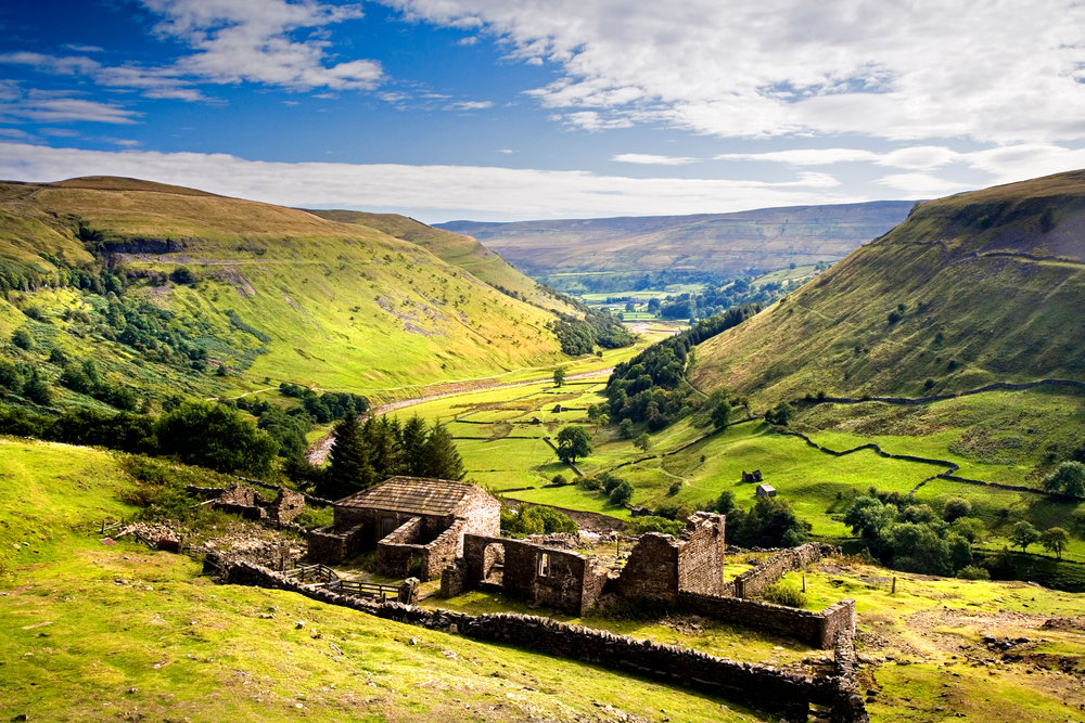 Upper Swaledale, from Crackpot Hall. Photo: Mike Kipling / Alamy