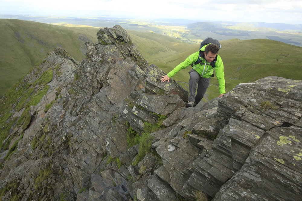 Nearing the crux of Sharp Edge. Photo: Tom Bailey / Trail Magazine