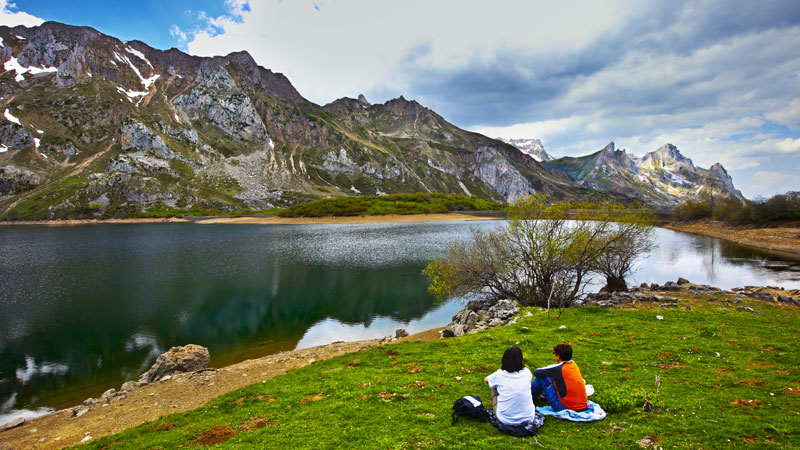 Somiedo is well worth visiting to see its stunning scenery, spectacular lakes and wealth of flora and fauna. PHOTOGRAPHS GONZALO AZUMENDI