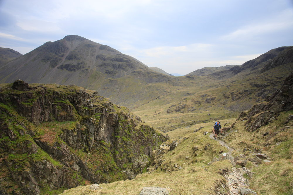 064Climbing up alongside Piers Gill Fell & Rock Memorial Walk Cumbria Lake District .JPG