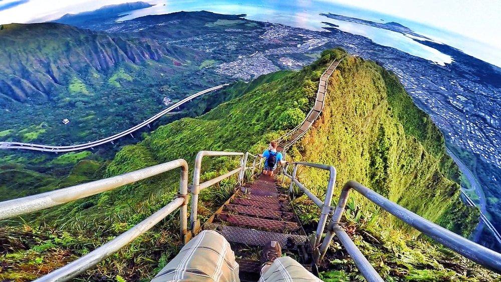 Haiku stairway, Hawaii by Chris Shepherd.jpg