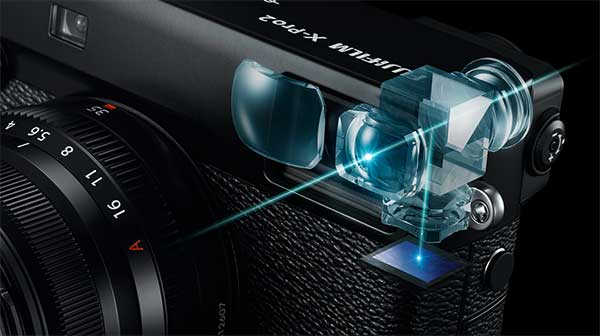 Innovative hybrid viewfinder  You can use three different viewfinder modes depending on which suits your shooting style.