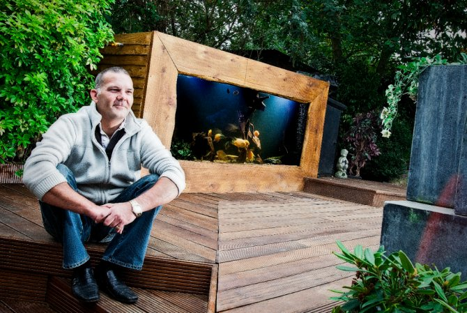 Your tanks steve fitzgerald and nichola graves for Outdoor fish tank uk