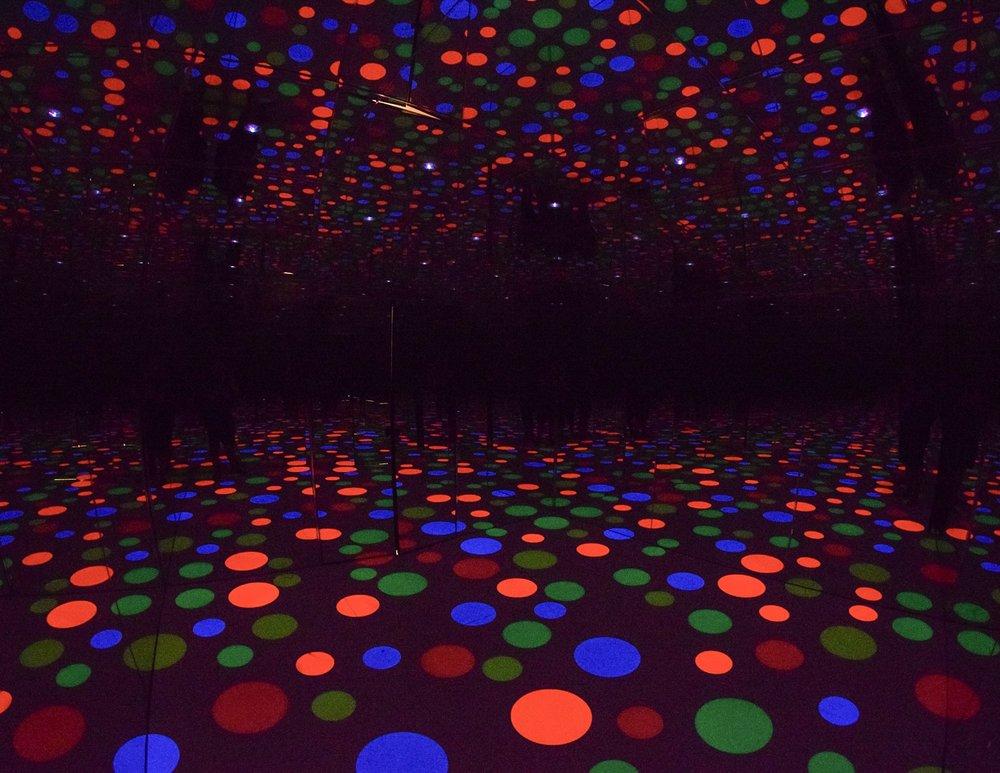 Infinity Dots Mirrored Room , Yayoi Kusama, 1996