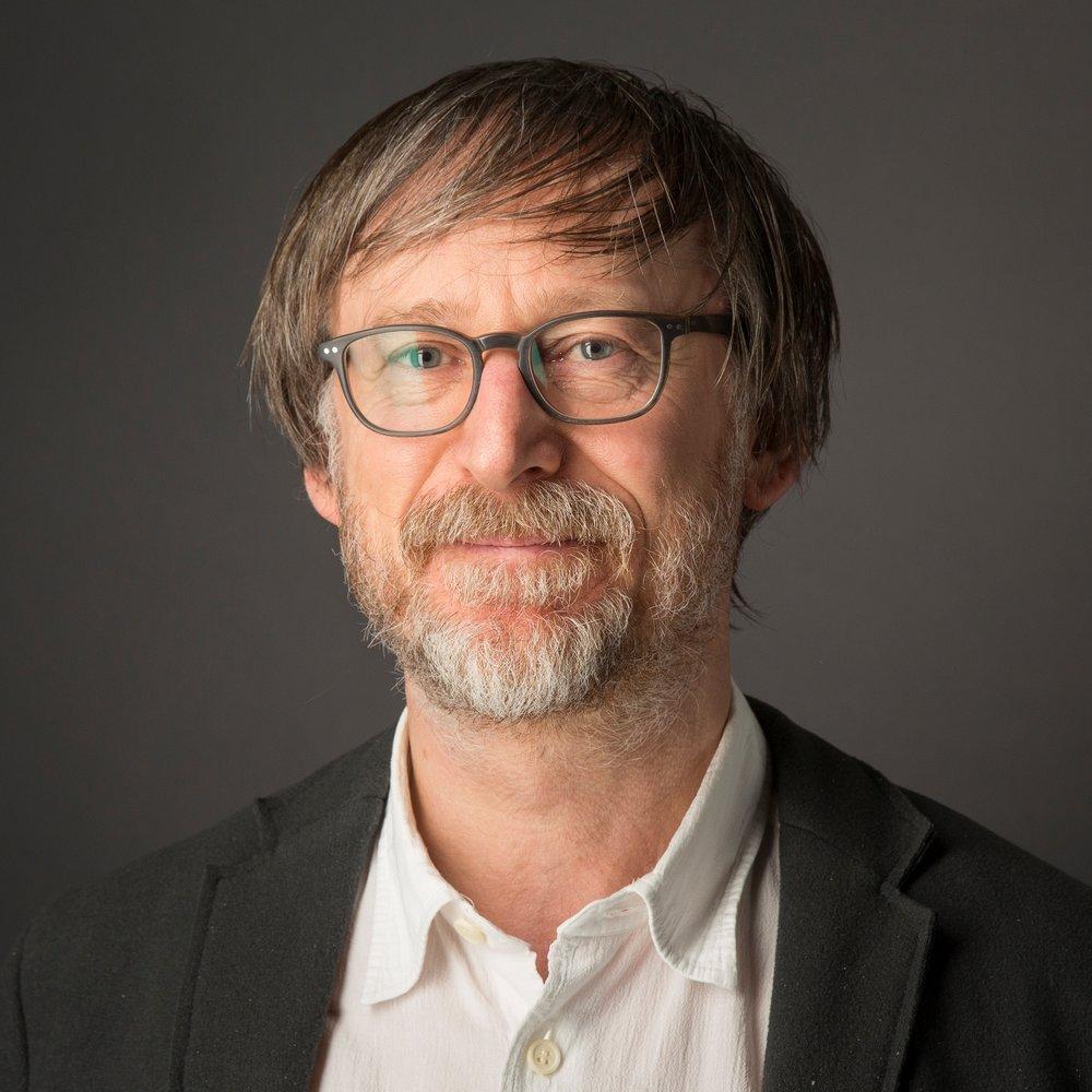 Rektor der Burg Giebichenstein Kunsthochschule Halle und Professor für Industrial Design/Produkt- und Systemdesign. Foto: Matthias Ritzmann