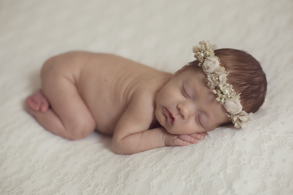 Newborn photos @jessicareevesphotography