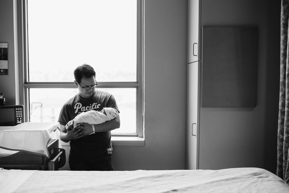 Toronto_Newborn_Photographer-18.jpg