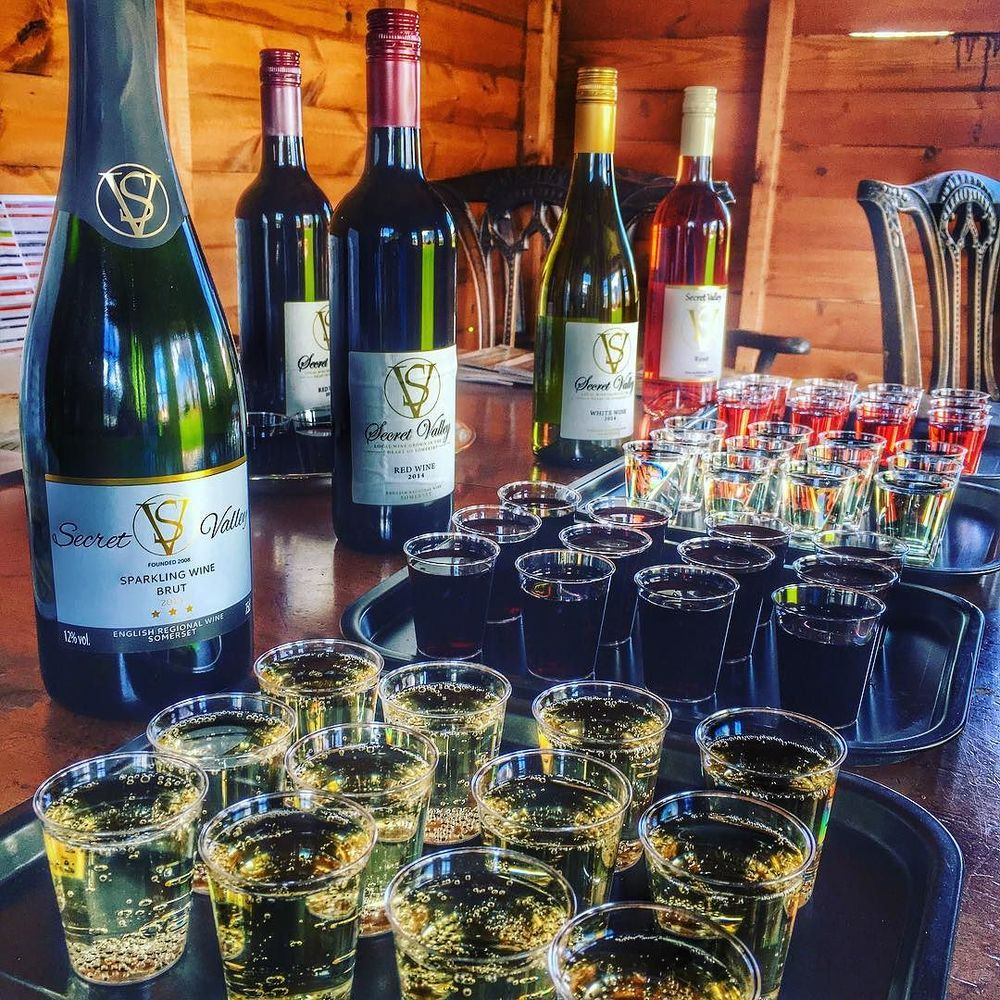 Setting up a wine tasting for a Hen Party! What a great way to spend a Saturday afternoon! There are two vineyards here at Secret Valley producing Red, White, Rose and Sparkling wine! #WineNot #BuyBritish #SecretValley #somersetsgreatescape #glamping.jpg