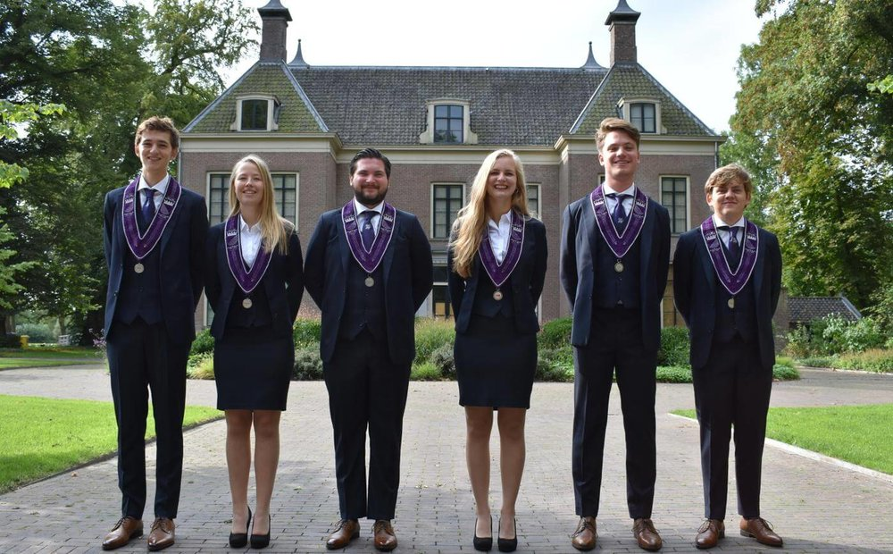 UHSKPak Student Bestuur Vereniging De Oost Bespoke Academy.JPG