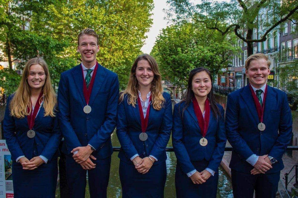 Vevanos Bestuur 2018Pak Student Bestuur Vereniging De Oost Bespoke Academy.jpg