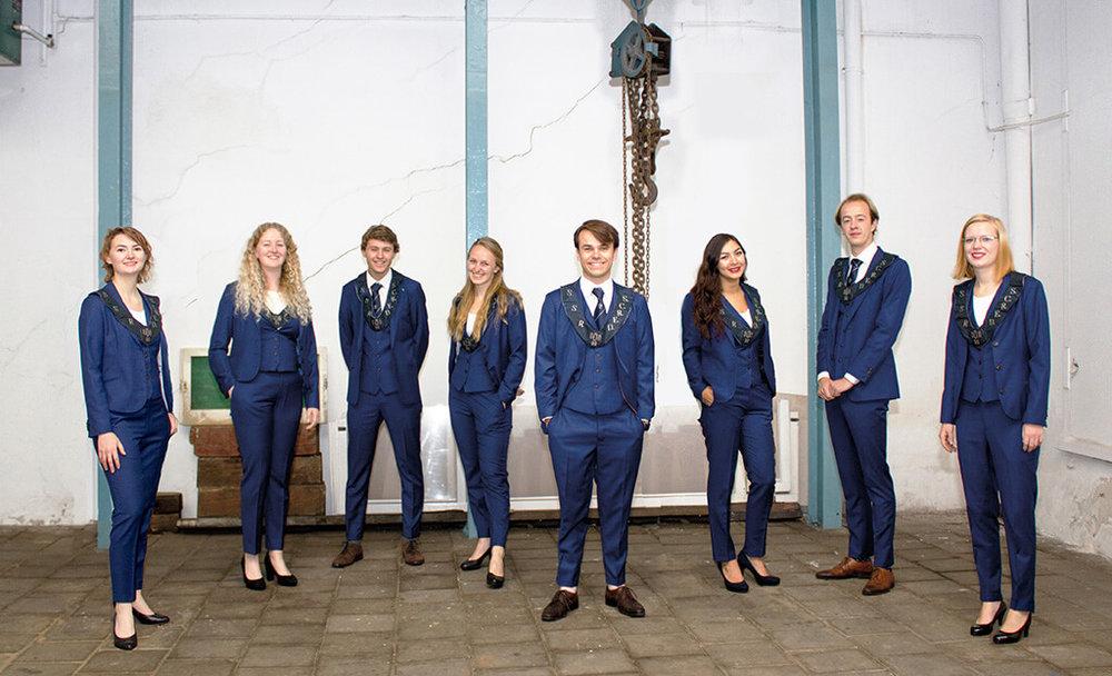 SSR Leiden Bestuur 2017 Pak Student Bestuur Vereniging De Oost Bespoke Academy.jpg