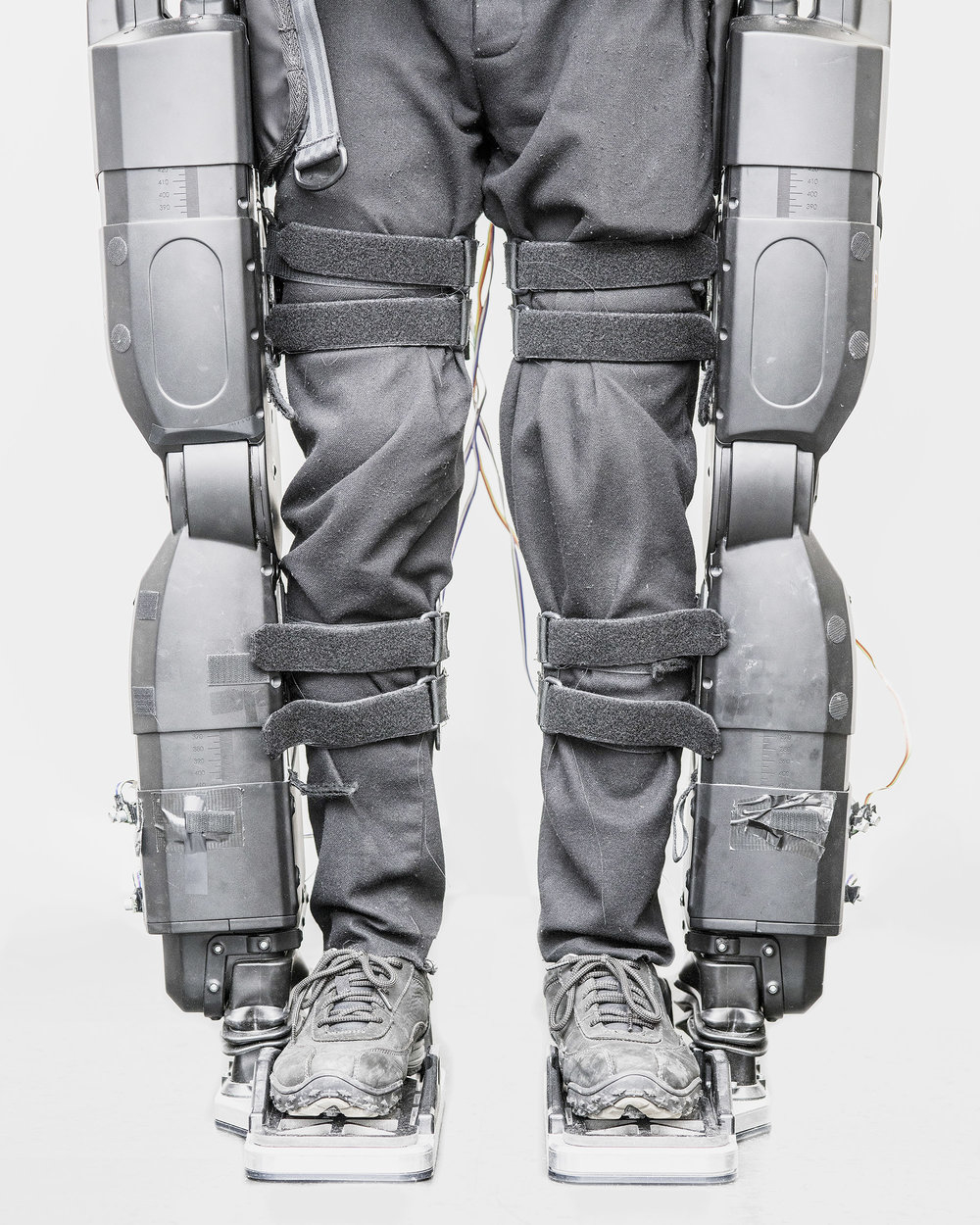 This exoskeleton can be used for therapeutic purposes or to augment the wearer's motor skills. Many companies sell such products, in general as support for a strenuous activity or to treat physical handicaps. But DARPA, the Defense Advanced Research Projects Agency, is working on the most spectacular exoskeleton prototype, capable of turning a soldier into a nearly inexhaustible war machine.