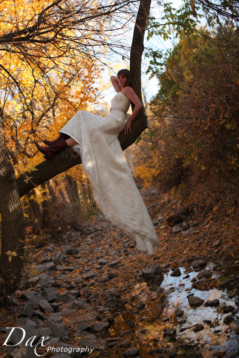 wpid-Trash-the-dress-in-the-fall-8470.jpg