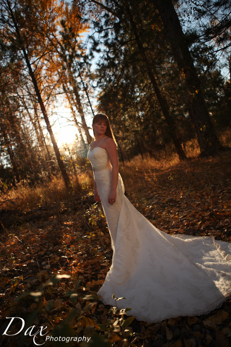 wpid-Trash-the-dress-in-the-fall-9113.jpg