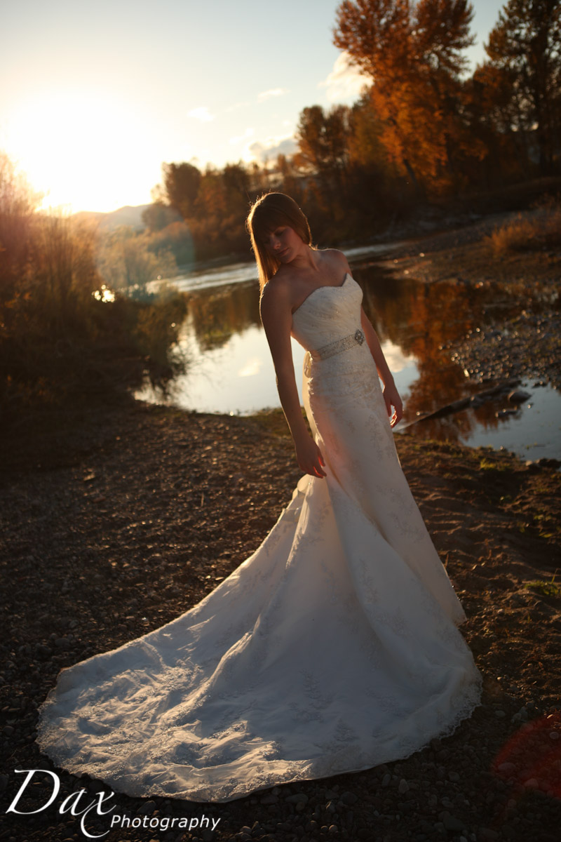 wpid-Trash-the-dress-in-the-fall-2.jpg
